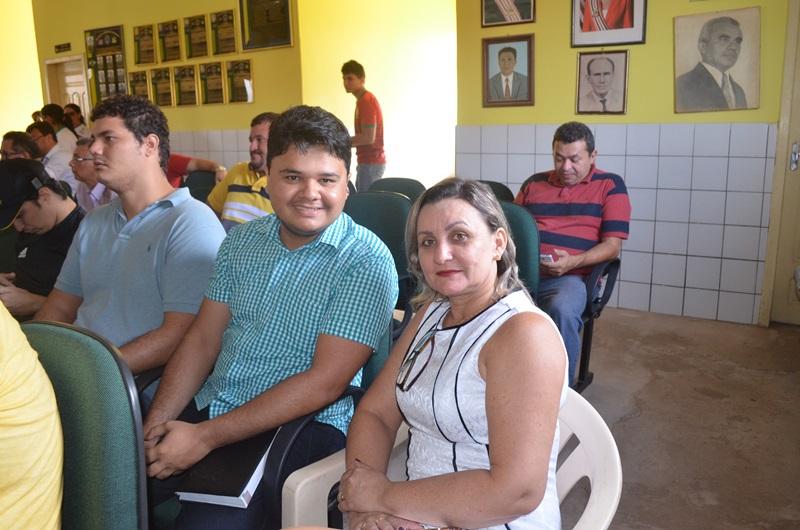 Vereadores Denis Nascimento e Lucimar Sá.